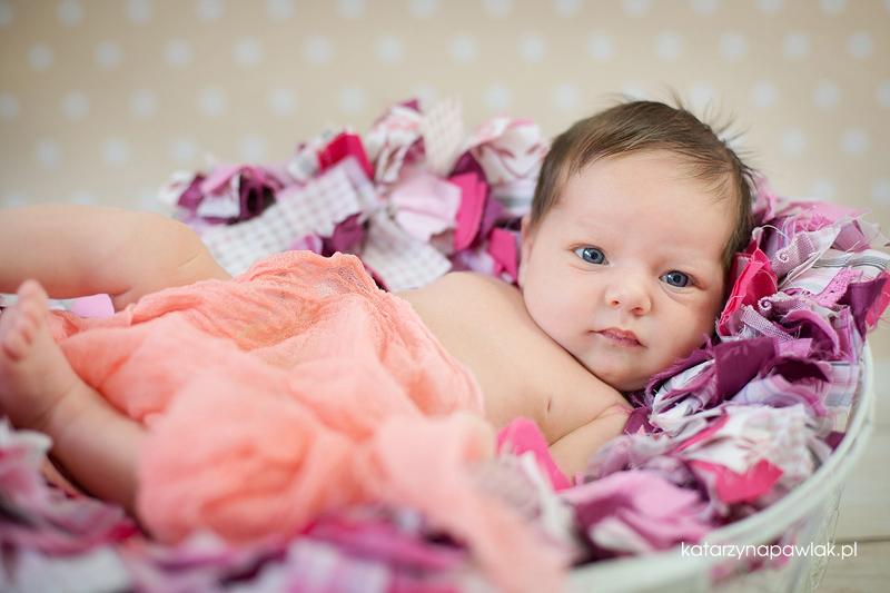 Lila sesja niemowleca Kalisz 014