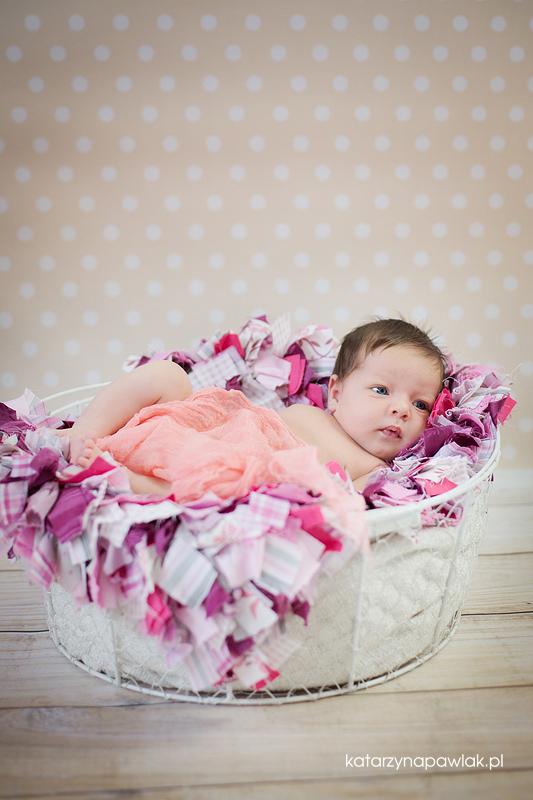 Lila sesja niemowleca Kalisz 015